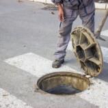 Ako identifikovať a odstrániť zápach z kanalizácie?