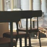 Barové stoličky: praktická amoderná súčasť interiéru